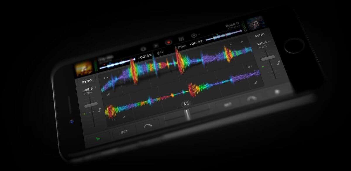 djay Pro for iPhone haptic feedback