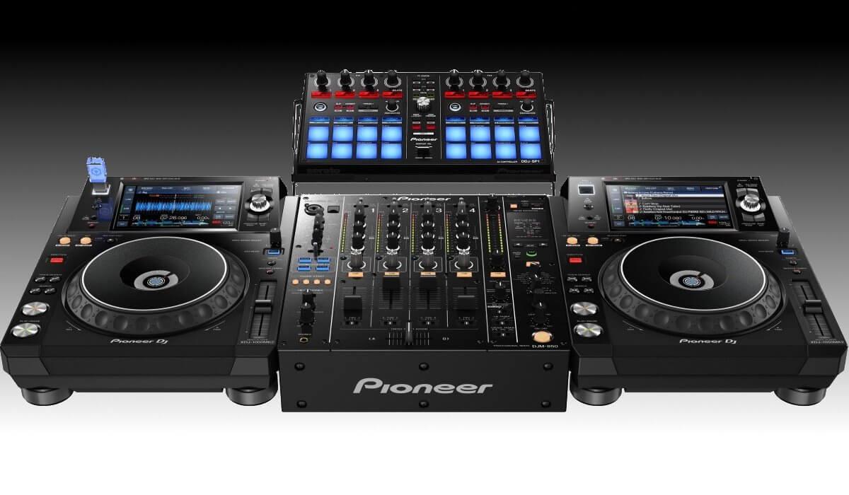 Pioneer DJ XDJ-1000mk2 with DDJ-SP1