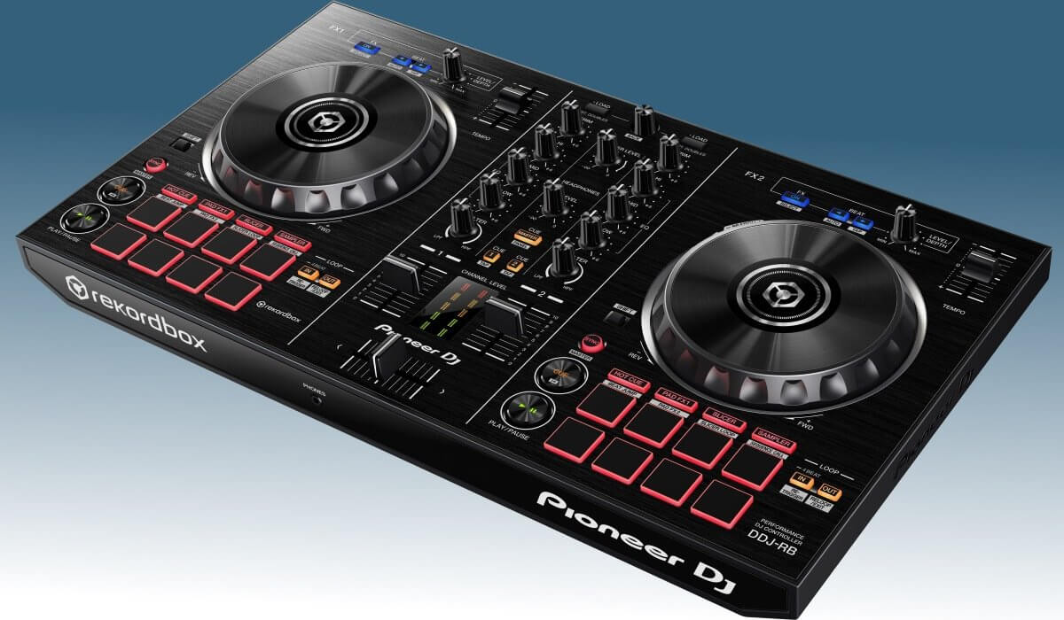 best dj controllers for beginners in 2018. Black Bedroom Furniture Sets. Home Design Ideas