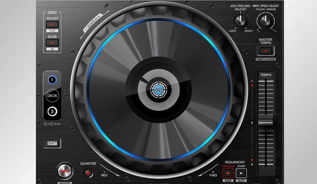 Pioneer DJ DDJ-RZ jog wheels