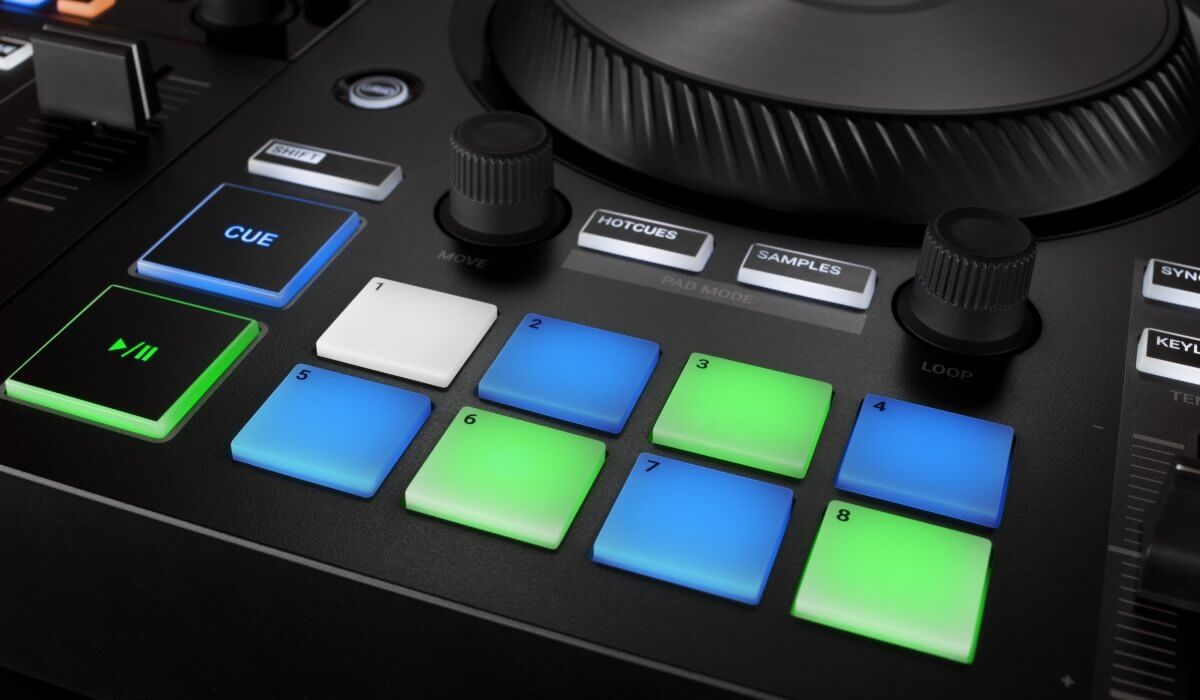 Native Instrument Traktor Kontrol S2 MK3 performance pads