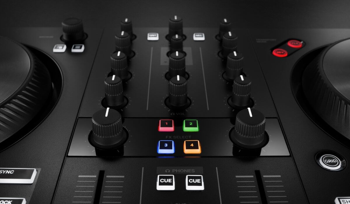 Native Instrument Traktor Kontrol S2 MK3 mixer effects