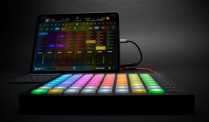 Algoriddim djay for IOS looper and sequencer with the new iPad Pro