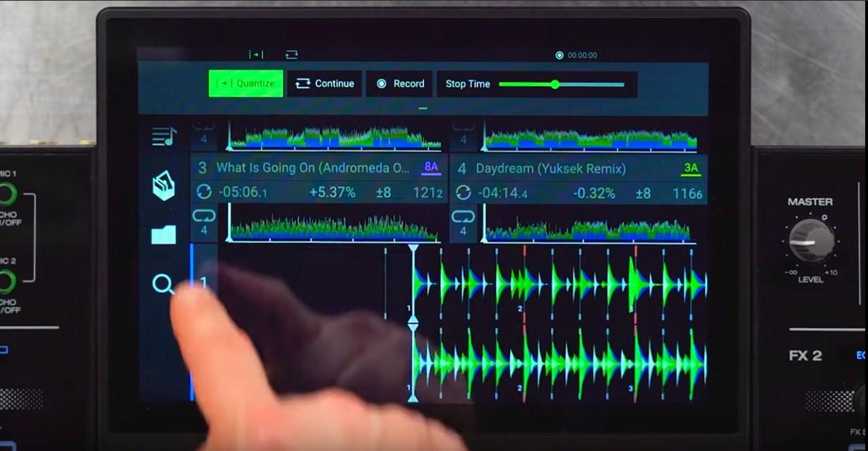 Denon DJ Prime 4 console status bar