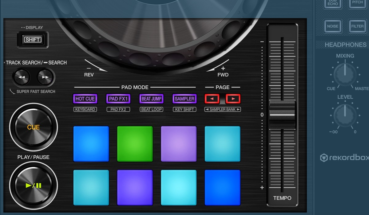 Pioneer DJ DDJ-800 performance pads and transport section