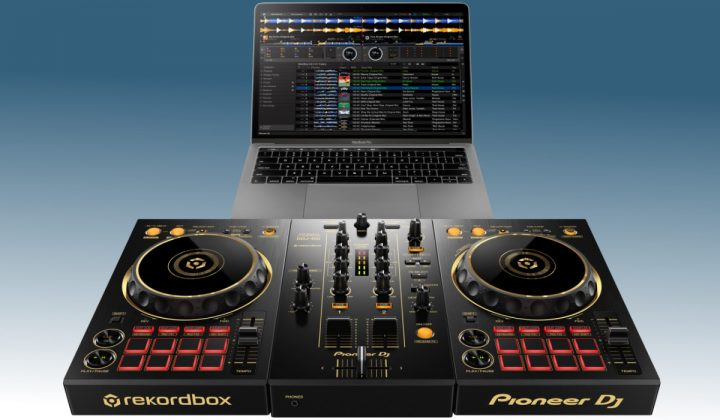 Pioneer DJ DDJ-400-N with laptop
