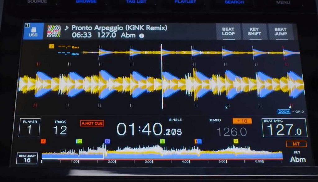 pioneer-dj-cdj-3000-stacked-waveforms-02