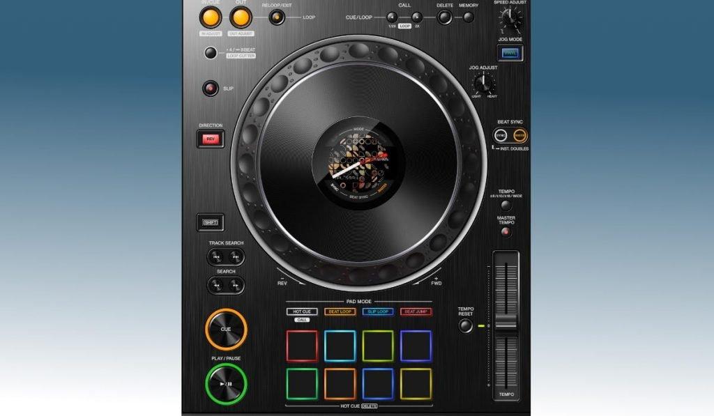 Pioneer DJ XDJ-XZ - the decks